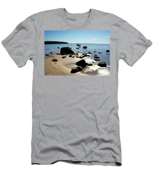 Drummond Shore 2 Men's T-Shirt (Athletic Fit)