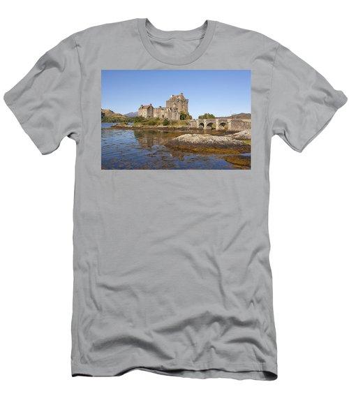 Eilean Donan Castle Men's T-Shirt (Athletic Fit)