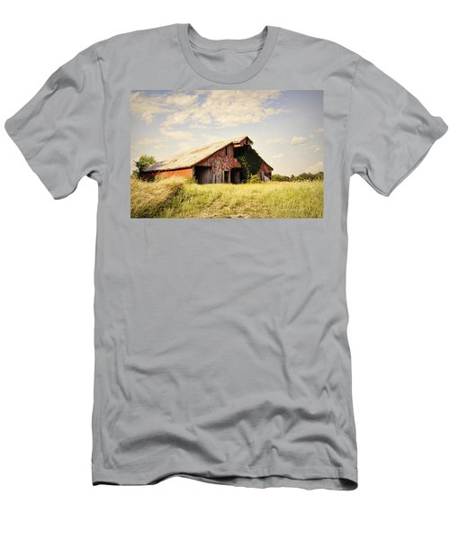 Englewood Barn Men's T-Shirt (Athletic Fit)