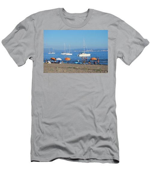 Erikousa Beach One Men's T-Shirt (Athletic Fit)