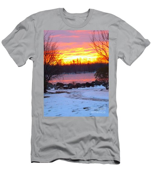 Fire And Ice Sunrise On The Delaware River Men's T-Shirt (Athletic Fit)