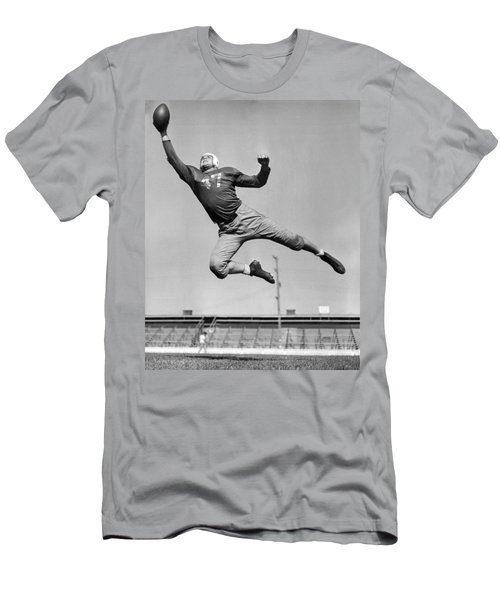 Football Player Catching Pass Men's T-Shirt (Athletic Fit)