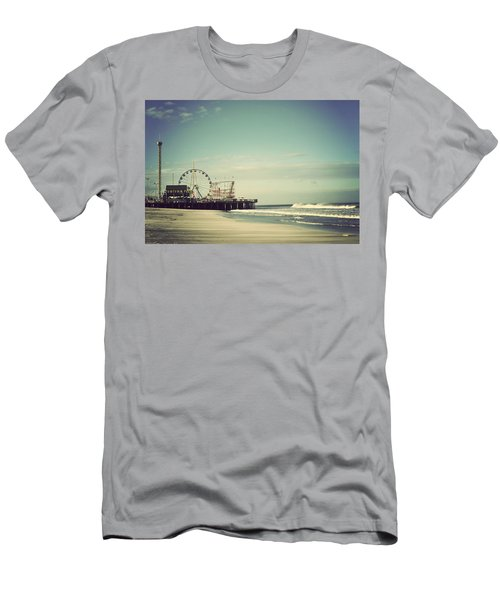Funtown Pier Seaside Heights New Jersey Vintage Men's T-Shirt (Athletic Fit)