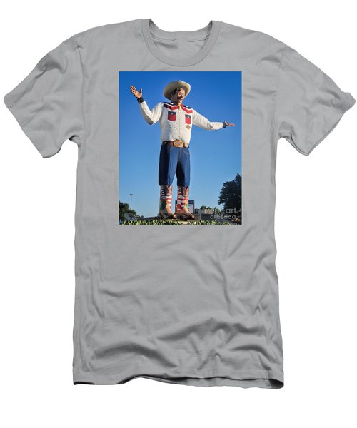 Giant Cowboy Big Tex State Fair Of Texas Men's T-Shirt (Athletic Fit)