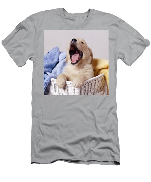 Golden Retriever Puppy Yawning Men's T-Shirt (Athletic Fit)