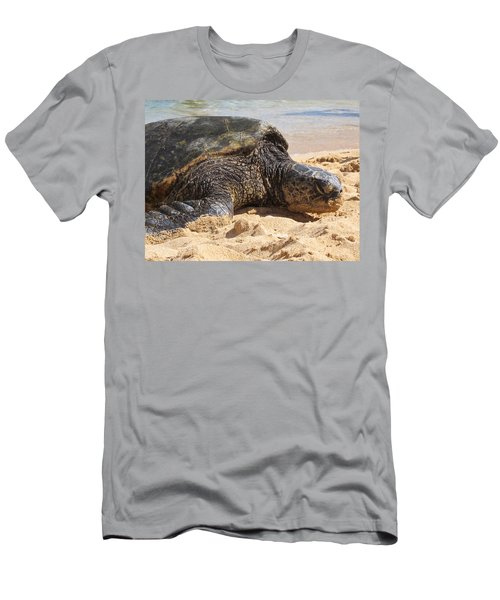 Green Sea Turtle 2 - Kauai Men's T-Shirt (Athletic Fit)