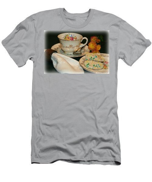 Her Best China Men's T-Shirt (Athletic Fit)