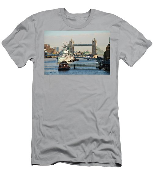 Hms Belfast London Men's T-Shirt (Athletic Fit)