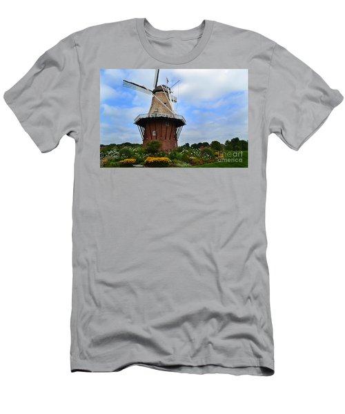 Holland Michigan Windmill Men's T-Shirt (Athletic Fit)