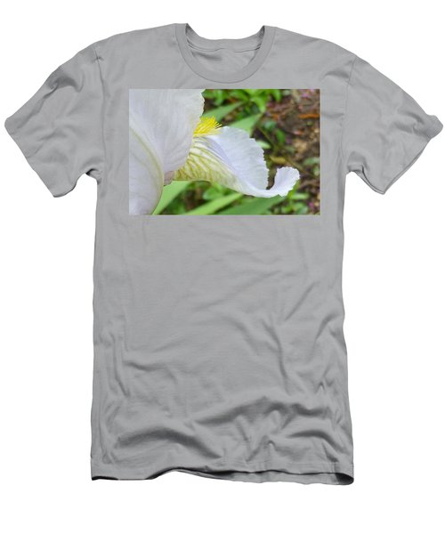 Iris Macro 2 Men's T-Shirt (Athletic Fit)