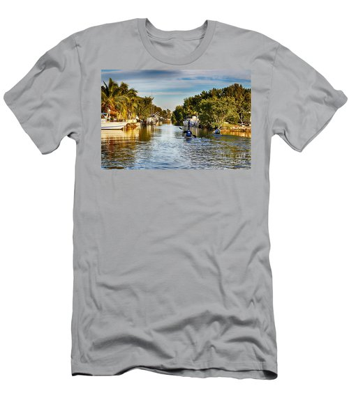 Kayaking The Canals Men's T-Shirt (Athletic Fit)