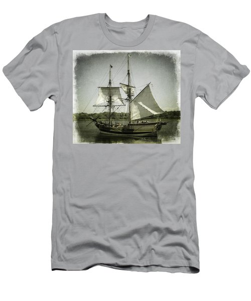 Ketch Underway Men's T-Shirt (Athletic Fit)