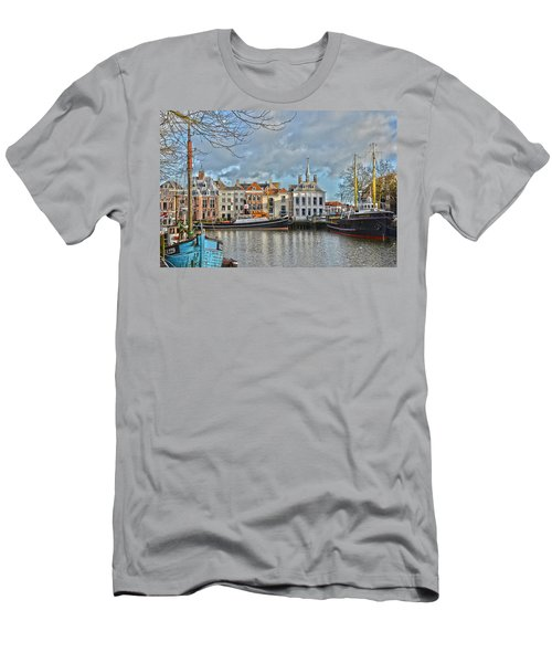 Maassluis Harbour Men's T-Shirt (Athletic Fit)