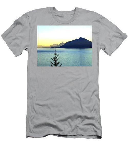 Magnificent Howe Sound Men's T-Shirt (Slim Fit)