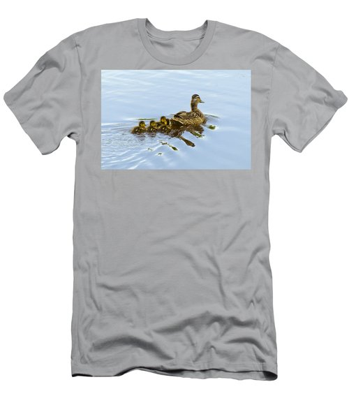 Mallard And Chicks  Men's T-Shirt (Athletic Fit)