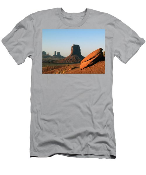 Monument Valley Afternoon Men's T-Shirt (Athletic Fit)