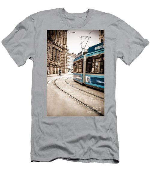 Munich City Traffic Men's T-Shirt (Athletic Fit)