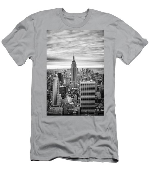 Black And White Photo Of New York Skyline Men's T-Shirt (Athletic Fit)