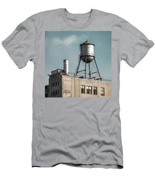 New York Water Towers 10 Men's T-Shirt (Athletic Fit)