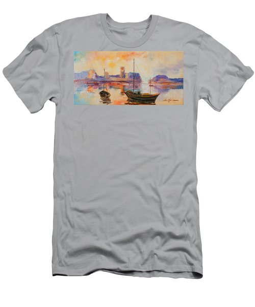 Old Dunbar Harbour Men's T-Shirt (Athletic Fit)