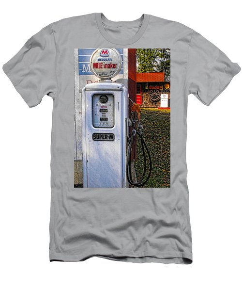 Old Marathon Gas Pump Men's T-Shirt (Athletic Fit)