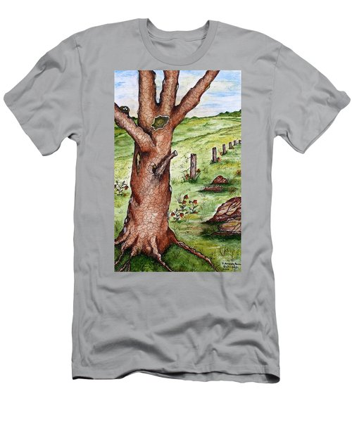 Old Oak Tree With Birds' Nest Men's T-Shirt (Athletic Fit)