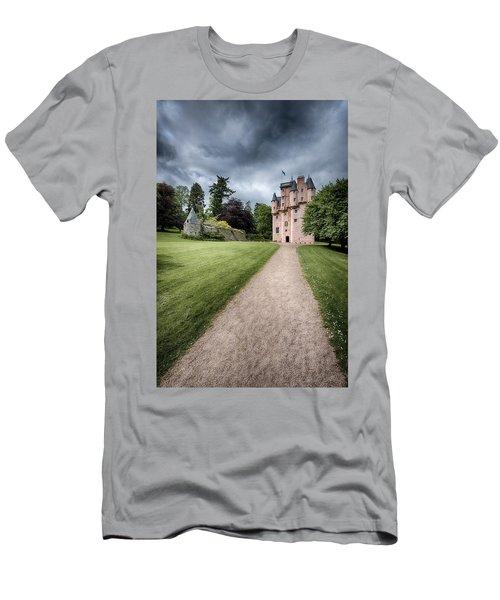 Path To Craigievar Castle Men's T-Shirt (Athletic Fit)