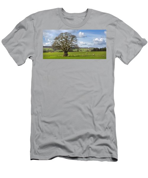 Peak District Tree Men's T-Shirt (Athletic Fit)