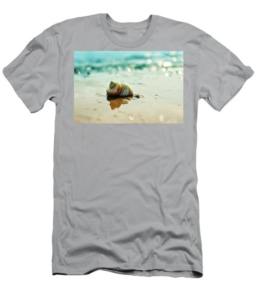 Pearly Shell Men's T-Shirt (Athletic Fit)