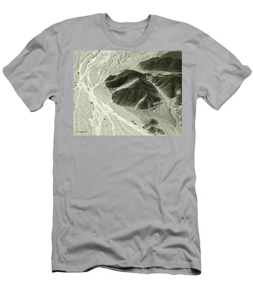 Plains Of Nazca - The Astronaut Men's T-Shirt (Athletic Fit)
