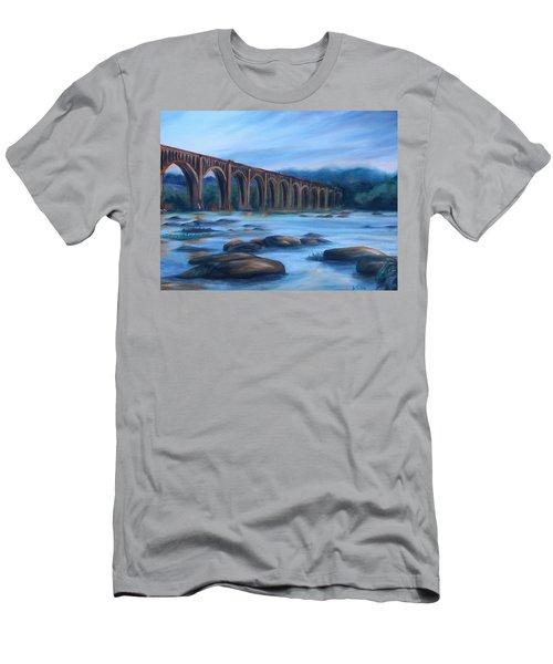 Richmond Train Trestle Men's T-Shirt (Athletic Fit)