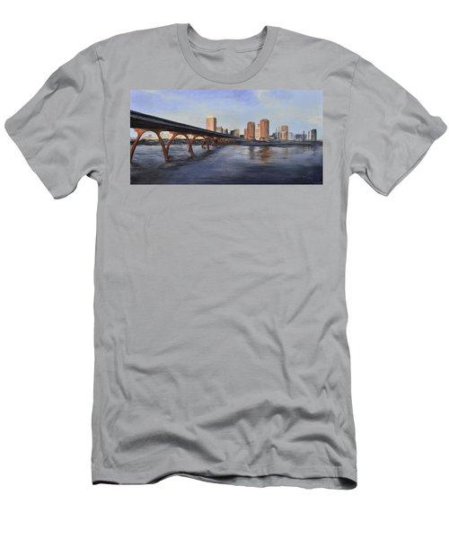 Richmond Virginia Skyline Men's T-Shirt (Athletic Fit)