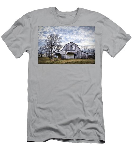 Rustic White Barn Men's T-Shirt (Athletic Fit)