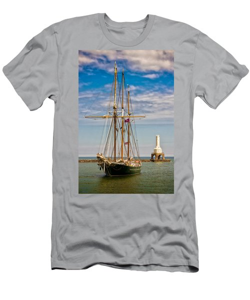 s/v Denis Sullivan Men's T-Shirt (Athletic Fit)