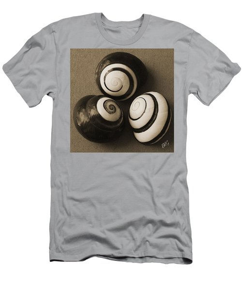 Seashells Spectacular No 28 Men's T-Shirt (Athletic Fit)