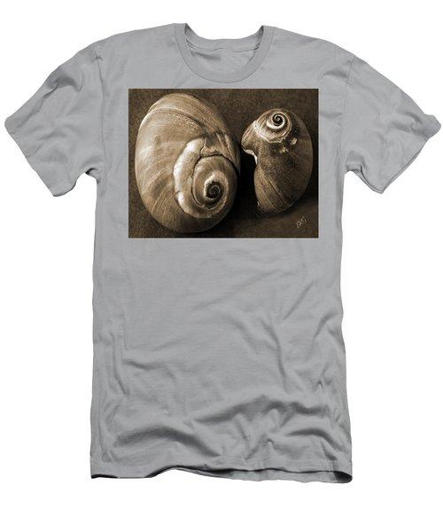 Seashells Spectacular No 6 Men's T-Shirt (Athletic Fit)