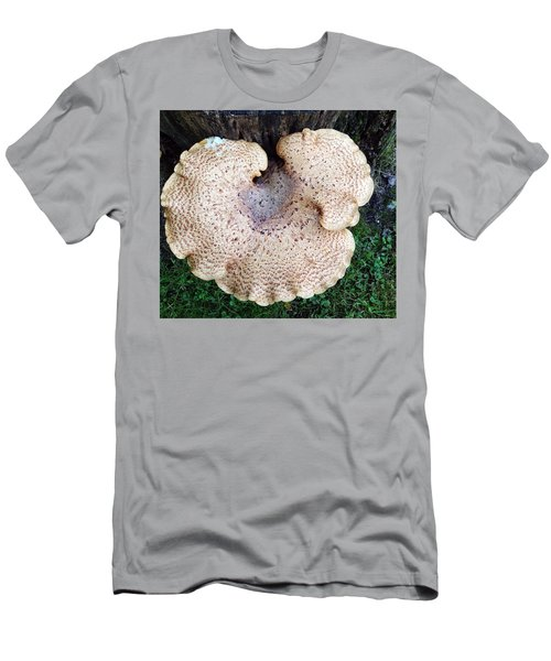 Shelf Mushroom Men's T-Shirt (Athletic Fit)
