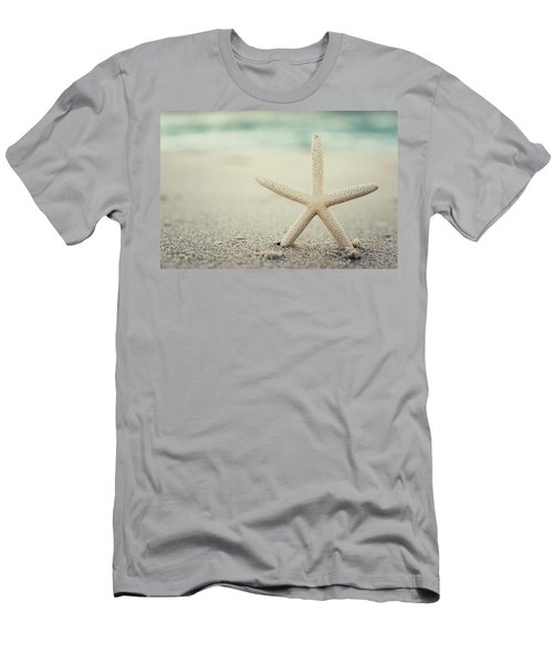 Starfish On Beach Vintage Seaside New Jersey  Men's T-Shirt (Athletic Fit)