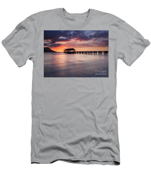 Sunset Pier Men's T-Shirt (Athletic Fit)