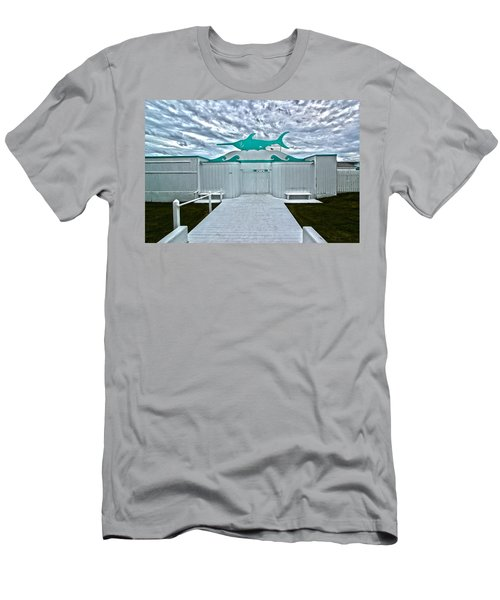 Swordfish Beach Club I Men's T-Shirt (Athletic Fit)