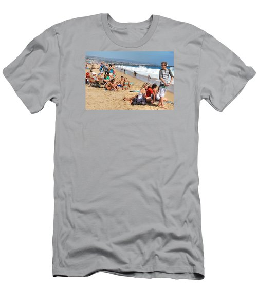 Tourist At Beach Men's T-Shirt (Athletic Fit)