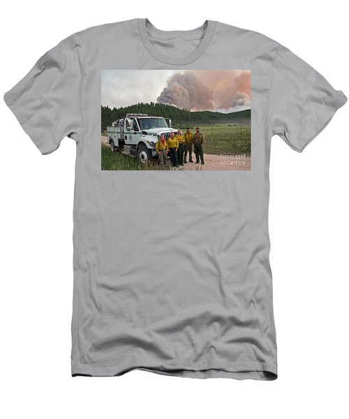 Men's T-Shirt (Slim Fit) featuring the photograph Umpqua Engine 25 On Myrtle Fire by Bill Gabbert