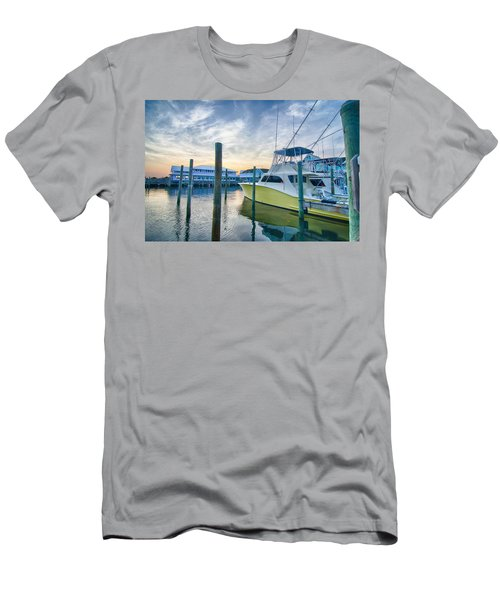 View Of Sportfishing Boats At Marina Men's T-Shirt (Athletic Fit)