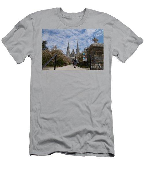 Villanova College Men's T-Shirt (Athletic Fit)
