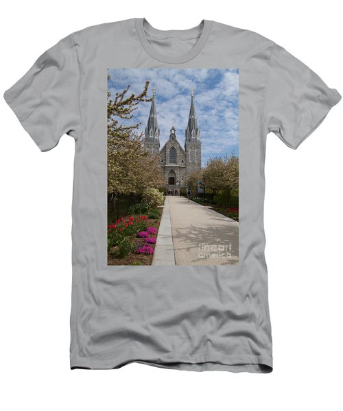 Villanova University Main Chapel  Men's T-Shirt (Athletic Fit)