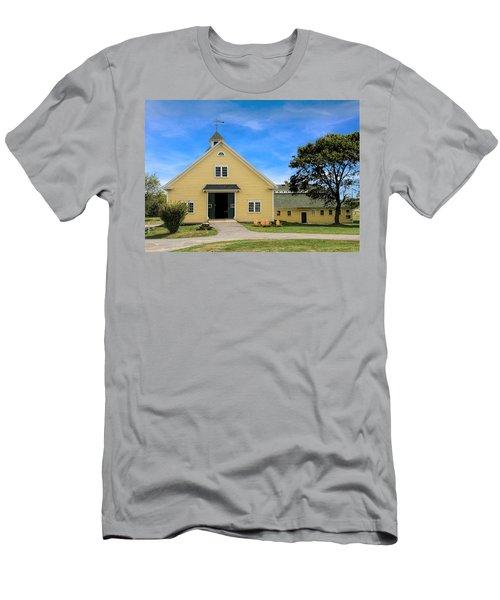 Wells Reserve Barn Men's T-Shirt (Athletic Fit)
