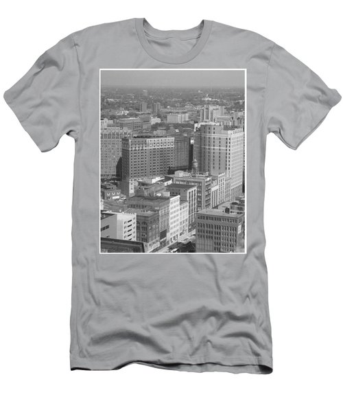 Woodward Avenue Bw Men's T-Shirt (Athletic Fit)