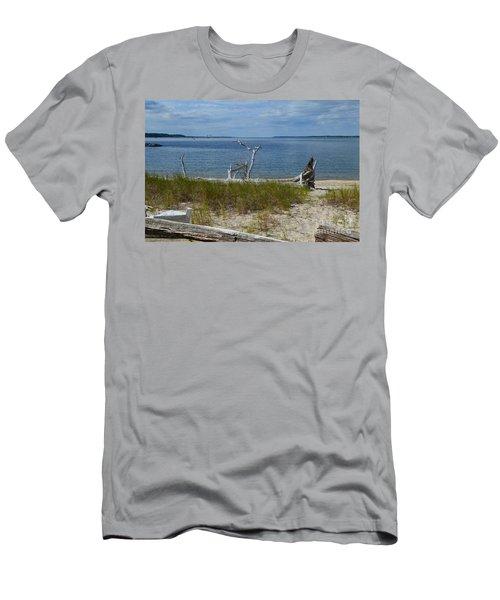 Yorktown Va Beach Men's T-Shirt (Athletic Fit)