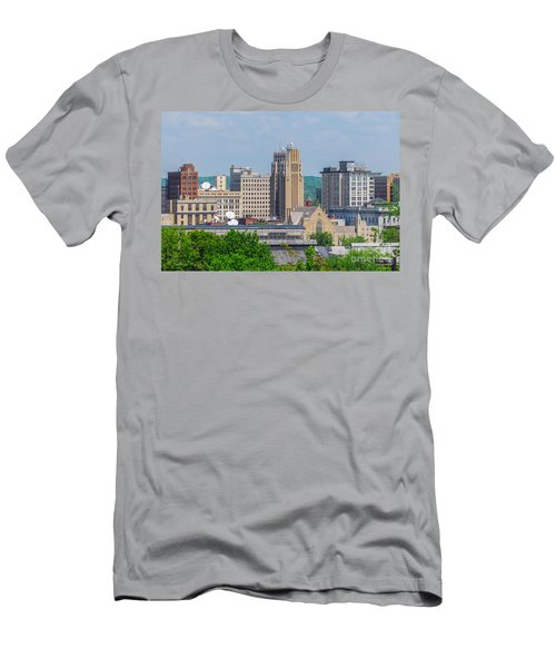 D39u-2 Youngstown Ohio Skyline Photo Men's T-Shirt (Athletic Fit)