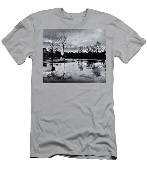 Den Haag After The Rain Men's T-Shirt (Athletic Fit)
